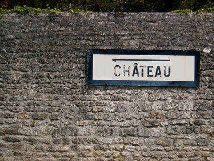 chateau sign